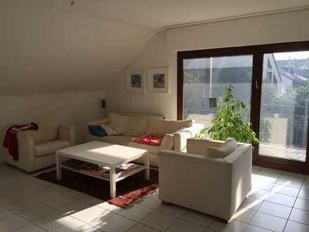 Ruhige 2,5 Zimmerwohnung mit Süd-Balkon für EINZELMIETER !!!!