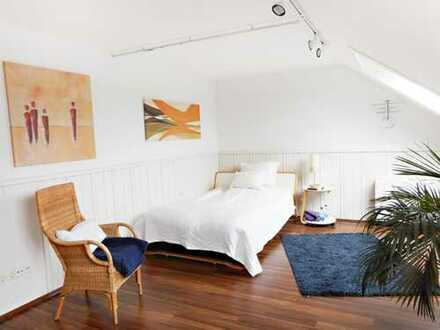 Pendler gesucht - gepflegtes WG Zimmer - halbe sonnige moderne Wohnung komplett möbliert mit Service