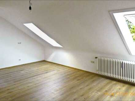 2-Zimmer DG-Wohnung in Nürnberg Tiergarten (2.OG, 410€, ca 40m², 2 Zimmer)