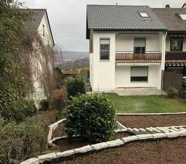 Komplett renoviertes Haus mit 6 Zimmern / Garten / Traumhafte Aussicht