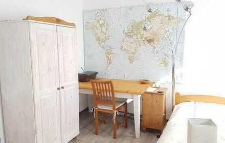 Schönes, komplett möbliertes Zimmer mit Dusche zwischen Wall und Zentrum