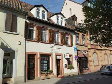Aufwendig modernisiertes Wohn- und Gewerbeanwesen im Zentrum Speyers