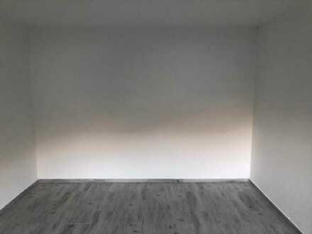 Erschwingliche und sanierte 2-Zimmer-Wohnung mit EBK und Balkon in Nachrodt