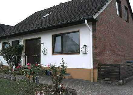 Schönes Familienhaus in ruhiger Lage !