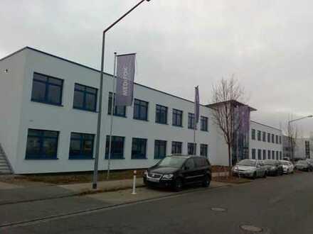 Gewerbeobjekt mit moderner Hallenfläche 700 m²