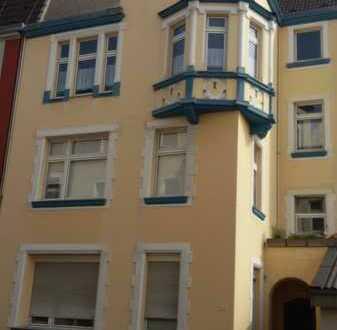 Schöne 5-Zimmer-Dachgeschosswohnung in Duisburg-Dellviertel