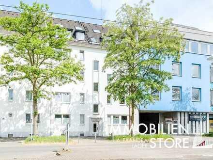 Dachterrassenwohnung mit schönem Ausblick und Hinterhof Flair!