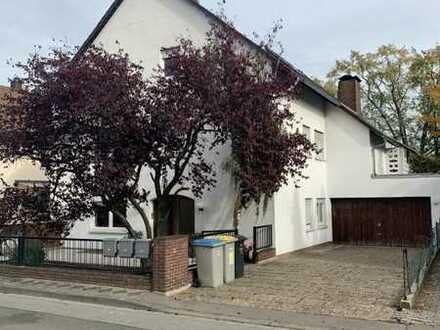 MA - WALDHOF I Schöne 4 ZKB + Terrasse Mietwohnung im Erdgeschoss von einem 3 FH