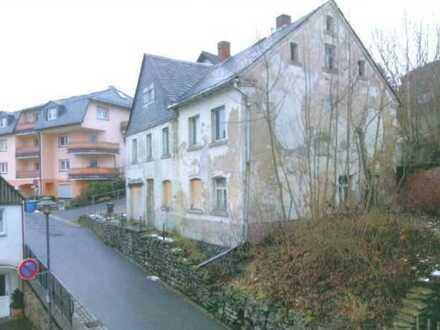 ***Einfamilienhaus im Dornröschenschlaf in Schlossnähe (Zwangsversteigerung)***