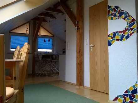Möblierte 2-Zimmer-Maisonette-Einlieger-Wohnung in Memmingen, Wochenendheimfahrer bevorzugt