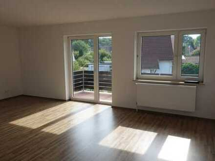 Wohnen in bester Lage: Exklusive 3-Zimmerwohnung mit neuer Einbauküche und Balkon in Westercelle