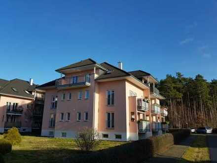 Sonnige Dachgeschosswohnung mit großem Balkon und Einbauküche in Grünheide (Mark)