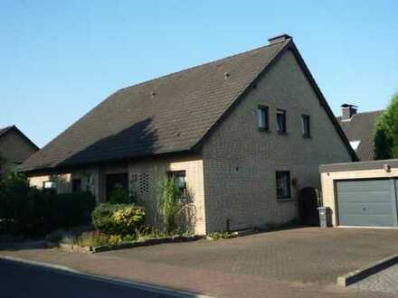 Zweifamilienhaus mit Doppelgarage und Vollkeller in gewachsener Wohnlage von Selm
