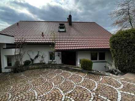 ++ Exklusives, modernisiertes Einfamilienhaus mit ELW in halbhöhen Lage zu verkaufen! ++