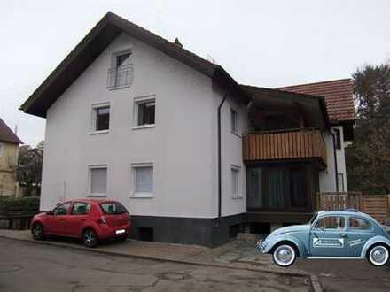 Modernisierte 5-Zimmer-ETW mit Balkon, Einbauküche und 2 Kfz-Außenstellplätze