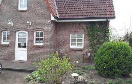 Zwei helle Zimmer in 2er WG in großzügigem EFH mit Garten in Adendorf