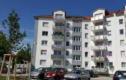 Schöne 4-ZKB Wohnung mit Balkon und Stellplatz