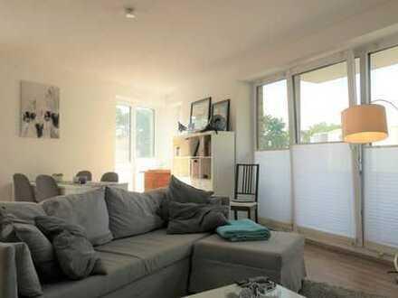 Lichtdurchflutet - gemütliche 2 Zimmer mit Einbauküche und Balkon