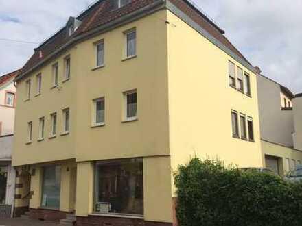 **Viel Platz zum wohnen und arbeiten! * Gepflegtes Wohn- und Geschäftshaus im alten Stadtkern