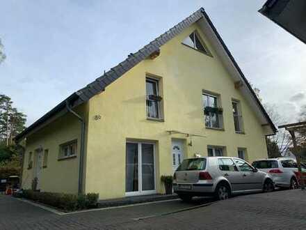 2-Familienhaus mit großem Garten, Kamin und Galerie in Bielefeld-Senne