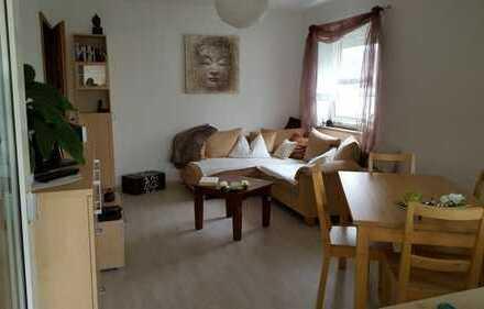 Exklusive 3-Zimmer-Hochparterre-Wohnung mit Balkon und Einbauküche in Germering