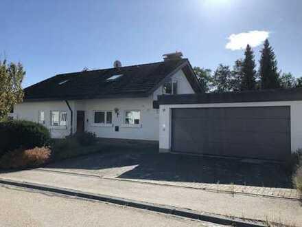 Schönes, geräumiges Haus mit sieben Zimmern in Villingen-Schwenningen/Pfaffenweiler