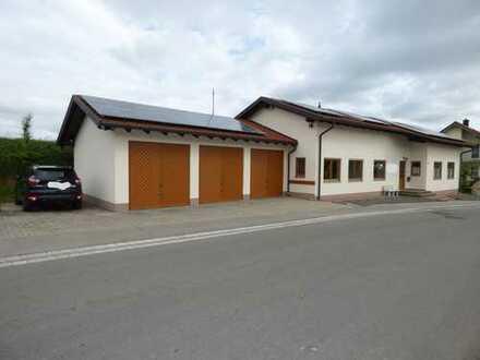 Frisch renoviertes Geschäftshaus ca. 7 km östlich von Memmingen zu vermieten!!