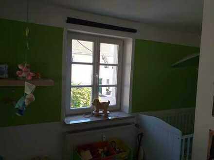 Gepflegte 3-Zimmer-Wohnung mit Balkon und Einbauküche in Pommersfelden