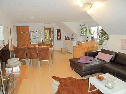 Charmante 2,5- Zimmerwohnung mit Gartenanteil in Top Lage von Karlsfeld