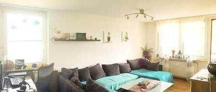 Kapitalanlage: Helle 3-Zi-Wohnung mit EBK und Balkon