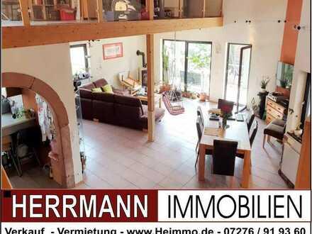 Großzügige 6-Zimmer-Wohnung in eienm 2-FH mit Garage und Gartenanteil