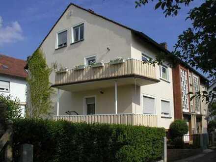 Sanierte 4-Zimmer-Wohnung mit Balkon, Terrasse und Einbauküche in Pirmasens