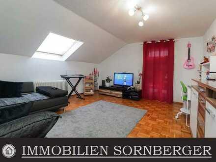 Modernisierte Dachwohnung mit tollem Schnitt, Balkon und Garage in Hochspeyer