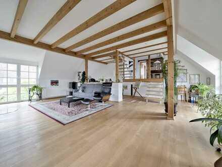Erfüllt gehobene Ansprüche: Stilgerecht saniertes Mehrgenerationenhaus in Lachen-Speyerdorf
