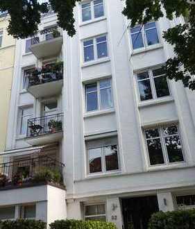 große Wohnung im Dachgeschoss mit Terrasse