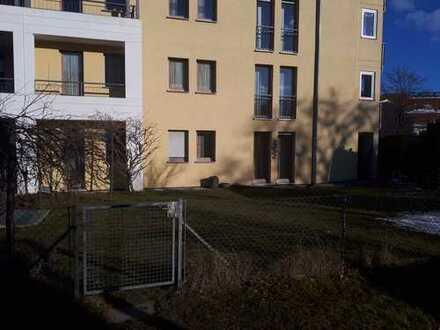 Gepflegte 3-Zimmer-EG-Wohnung mit Südterrasse und großem West-Garten
