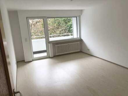 Helle 2-Zimmer Wohnung, ruhig, Balkon, renoviert
