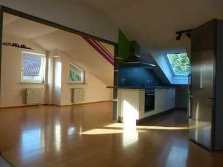 Tolle und sonnige 4-Zimmer-DG-Wohnung, Dachterrasse, modernisiert, Kauf in 2022 möglich
