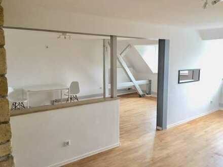 Erstbezug 1,5 Zimmer LoftCharakter Dachgeschoßwohnung