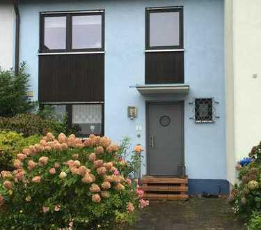 Gepflegtes Haus in bester Lage (Erlangen, in der Reuth)