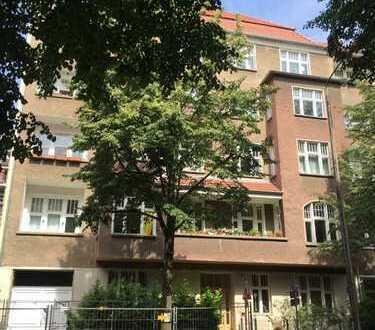 Helle, freundliche ein Zimmer Wohnung, 1 OG in Berlin, Treptow