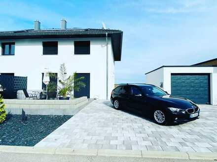 Neuwertige Maisonette-Wohnung mit sechs Zimmern, Terasse und Einbauküche in Wallhausen