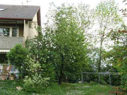 Gepflegte 4 1/2- Zimmerwohnung im Erdgeschoss mit großer Terrasse in 3-FH in Steinheim an der Murr