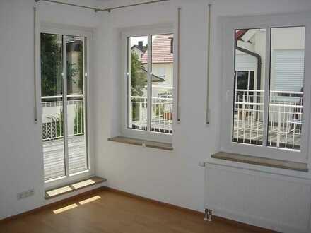 Gepflegte 2-Zimmer-Wohnung mit Balkon und EBK in Haldenwang