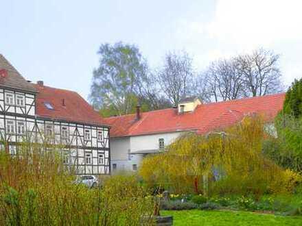 Baunatal-Altenritte: Sehr gepflegte 3-4 Zimmer Wohnung in einem wunderschön restaurierten Anwesen!