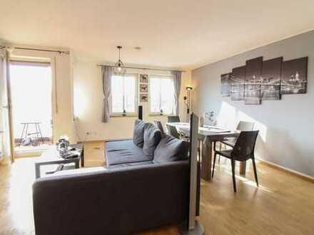 Kapitalanlage oder neues Zuhause: Helle 4-Zi.-ETW mit Balkon und Loggia in München-Moosach