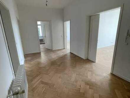 Helle Altbau Wohnung am Eugensplatz
