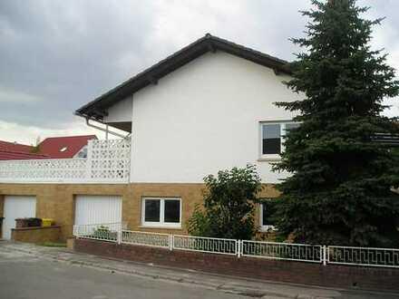 Einfamilienhaus mit Einliegerwohnung in ruhiger Wohnlage mit großem Garten