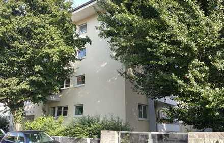 Ansprechende 4-Zimmer-Wohnung mit Balkon und EBK in Würzburg