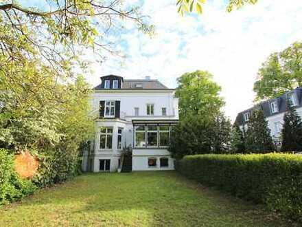 Repräsentative Villa mit Elbblick.